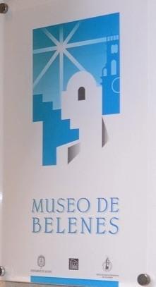 Placa en la puerta del Museo de Belenes